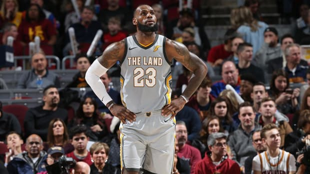 LeBron James Won't Waive No-Trade Clause - IMAGE