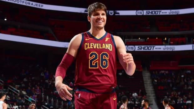 Cavaliers Trade Kyle Korver to Jazz--IMAGE