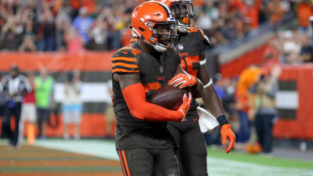 Browns RB Carlos Hyde Welcomes Newborn After Win Over Jets--IMAGE