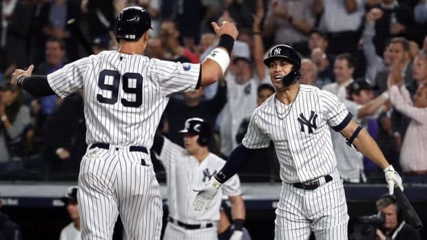 Yankees Defeat Oakland in Wild Card, Will Face Red Sox in ALDS--IMAGE