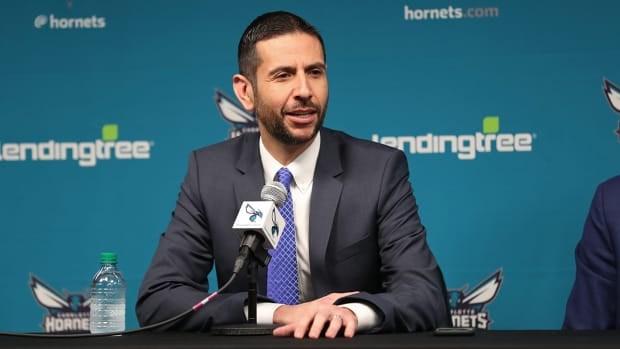 james-borrego-hornets-coach.jpg