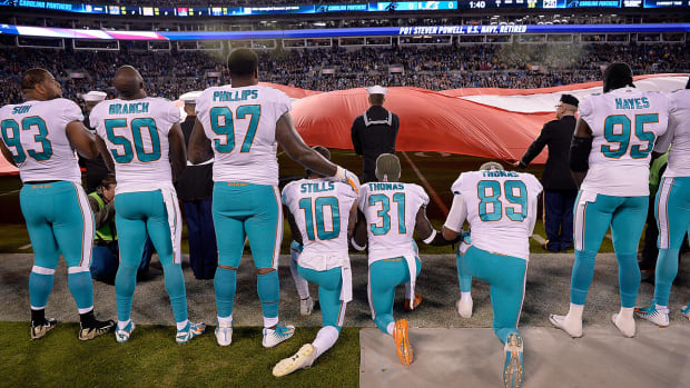 dolphins-kneel-anthem.jpg