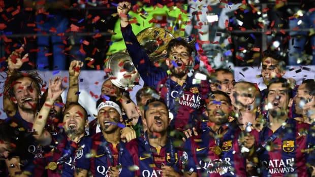 fbl-eur-c1-juventus-barcelona-final-trophy-5c2a240405d15664e1000002.jpg