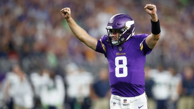 kirk-cousins-arms-raised.jpg