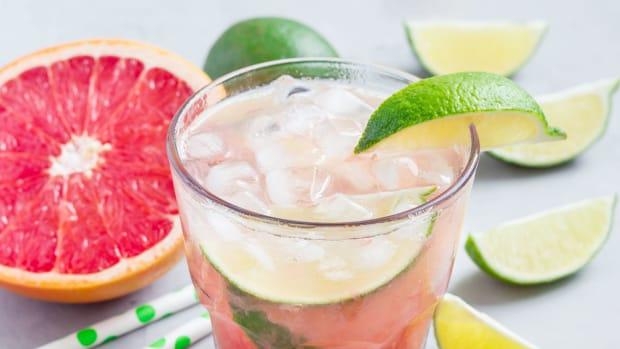 grapefruit-tequila-fizz.jpg
