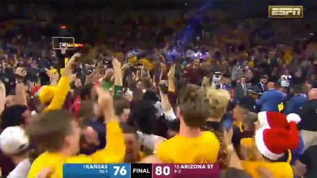 crowd-rush-arizona-state-basketball-kansas.png