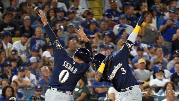 brewers-win-nlcs-game3.jpg