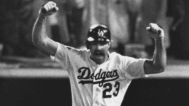 kirk-gibson-home-run-1988-world-series-dodgers.jpg