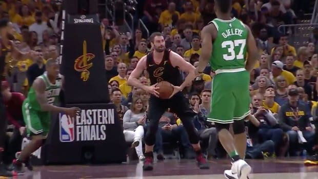 kevin-love-outlet-pass-to-lebron-james.jpg