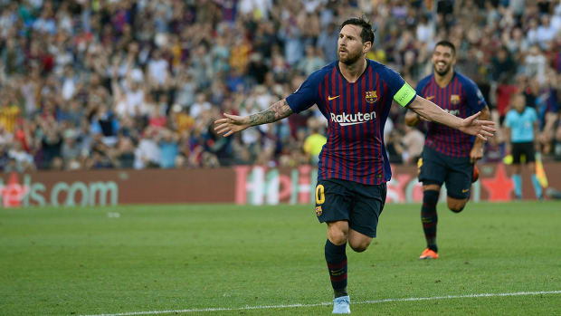 messi-barcelona-goal-captain-psv-video.jpg