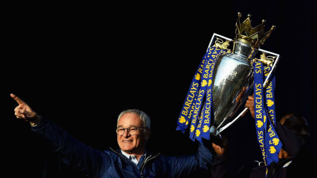 leicester-city-barclays-premier-league-winners-bus-parade-5be2f733aa61f4bb27000003.jpg