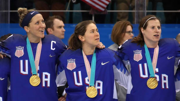 usa-womens-hockey-kelly-pannek.jpg