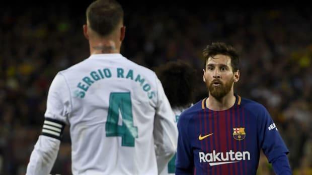 barcelona-v-real-madrid-la-liga-5aeffaa17134f600d3000003.jpg