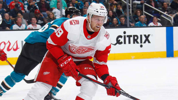 anthony-mantha-red-wings-contract-free-agency-1300.jpg