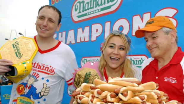 Nathans-hot-dog-eating-contest.png