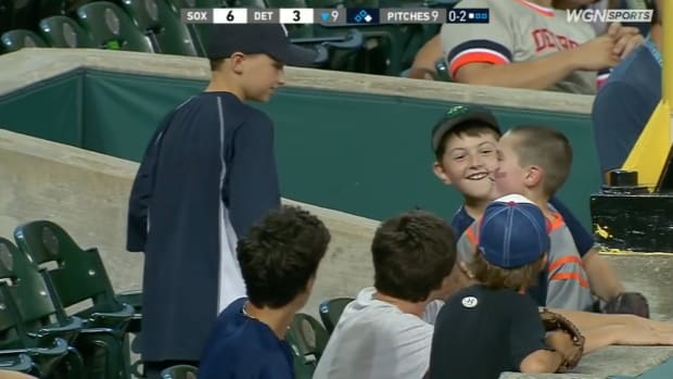 wednesday-hot-clicks-white-sox-tigers-fan-kid-foul-ball-video.png