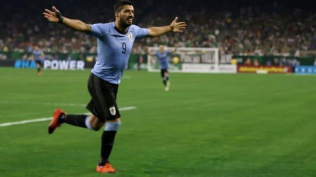 mexico-v-uruguay-international-friendly-5b93f7d8ecc23a0576000004.jpg