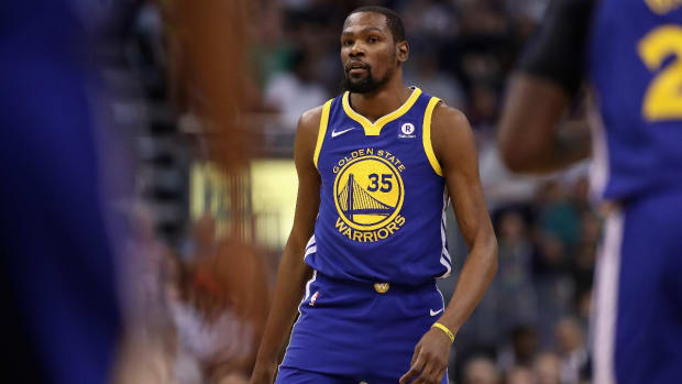 Report: Kevin Durant to Re-Sign With Warriors After Declining Player Optio