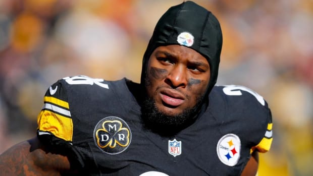 Report: Le'Veon Bell Expected to Return to Steelers During Week 7 Bye--IMAGE