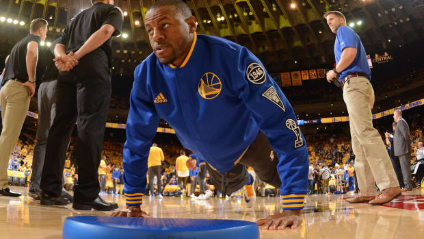 Warriors' Andre Iguodala Ruled Out For Game 1 of NBA Finals--IMAGE