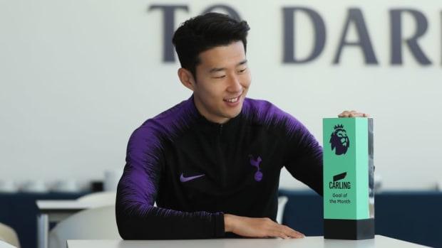 son-heung-min-wins-the-carling-goal-of-the-month-award-november-2018-5c1394dfb79d3d17a7000001.jpg