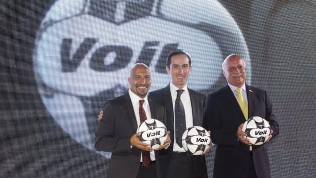 liga-mx-unveils-official-ball-5c10b7bc8bf2d51a03000001.jpg