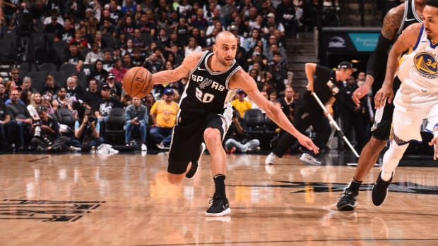 Spurs Snap Warriors' 18-Game Postseason Win Streak vs. West, Avoid Sweep - IMAGE