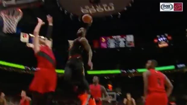 cavs-crazy-lebron-dunk.png