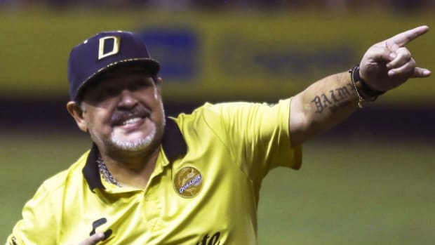 topshot-fbl-mex-dorados-juarez-maradona-5bf6ab7165b6ac692a000022.jpg