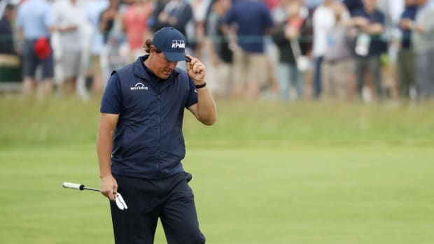 Phil Mickelson Apologizes for Putting Moving Ball at U.S. Open--IMAGE