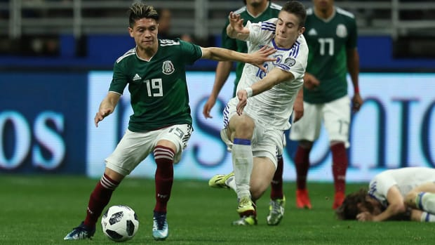 jonathan-gonzalez-mexico-debut-bosnia.jpg