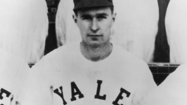 bush-dies-yale-college-world-series.jpg