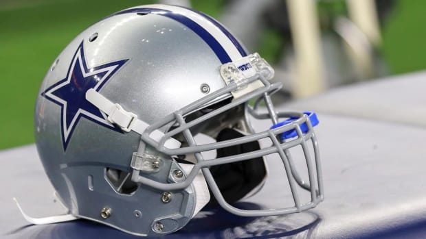 Report: NFL Expects 'Probable Three-Year' Adjustment to New Helmet Rule--IMAGE