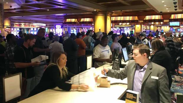 college-football-sports-betting-mississippi-biloxi-casinos.jpg