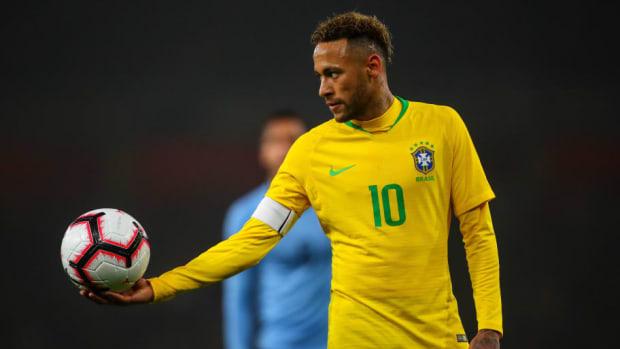 brazil-v-uruguay-international-friendly-5bef3d40605172bfa9000001.jpg