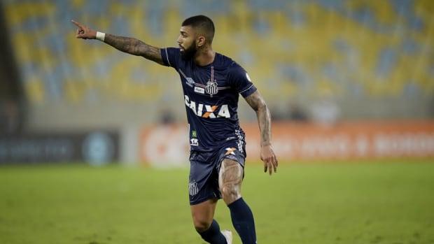 fluminense-v-santos-brasileirao-series-a-2018-5be310d7e031a77292000001.jpg