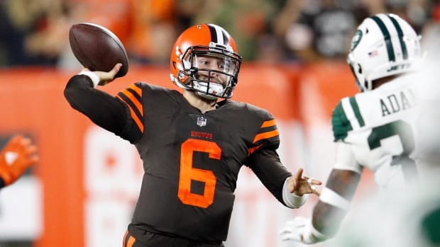 Baker Mayfield Takes Over at QB, Leads Browns to First Win in 635 Days - IMAGE