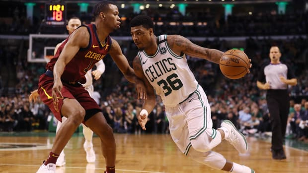 marcus_smart_mothers_day_game_1.jpg