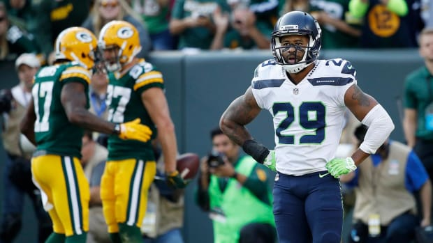 Report: Earl Thomas Will Not Report to Seahawks Training Camp - IMAGE