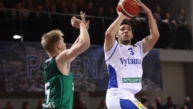 LiAngelo Ball Declares for NBA Draft - IMAGE