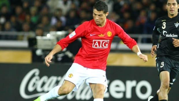 manchester-united-v-liga-de-quito-fifa-club-world-cup-2008-final-5bb0958d14db2f7291000020.jpg