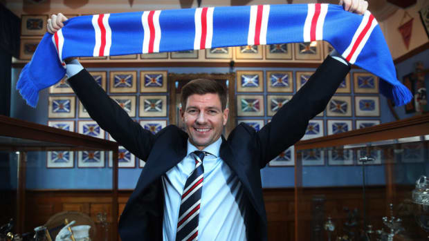 steven-gerrard-is-unveiled-as-the-new-manager-at-rangers-5afc2adc73f36ca507000004.jpg