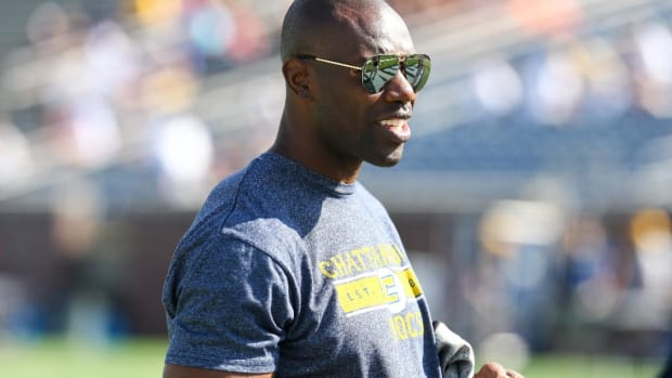 Terrell Owens To Give Hall of Fame Speech At Alma Mater - IMAGE