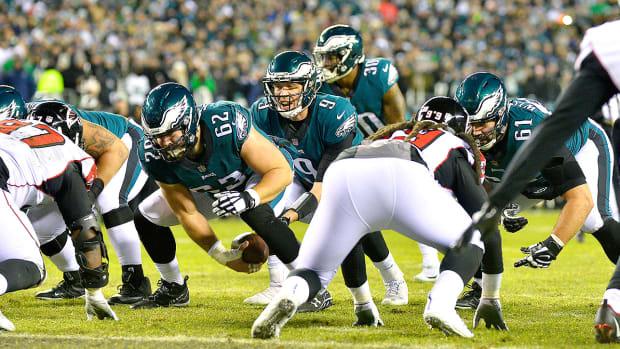 nick-foles-offensive-line-philadelphia-eagles.jpg