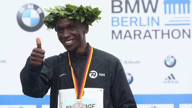 eliud-kipchoge-berlin-marathon-2018-world-record-attempt.jpg