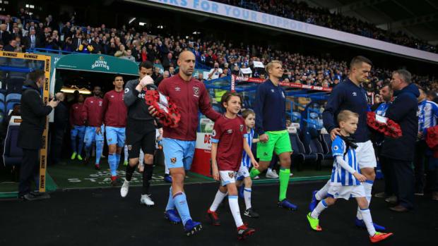 huddersfield-town-v-west-ham-united-premier-league-5bf925c86b6cd270f1000001.jpg