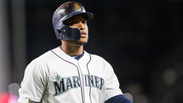 Mariners' Robinson Cano Breaks Hand After Being Hit By Pitch--IMAGE