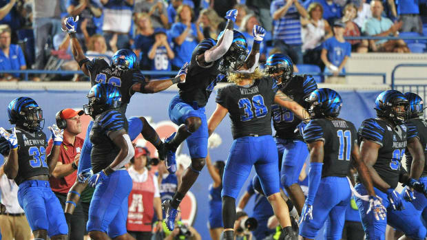 Memphis football vs SMU best bets