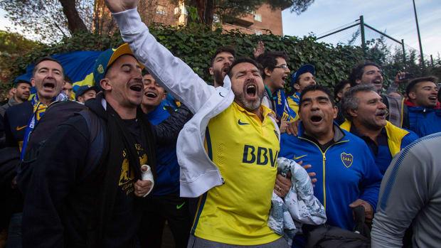 boca_juniors_supporters.jpg