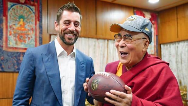 packers-aaron-rodgers-india-dalai-lama-photo.jpg